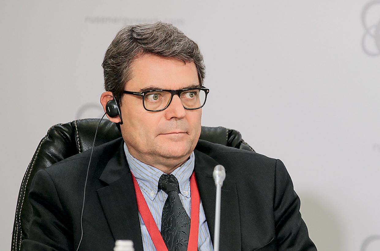 Эрве Амосе (Herve Amosse), исполнительный вице-президент по перевозкам телекоммуникациям и энергосистемам групп компаний Saft Groupe, Total Groupe