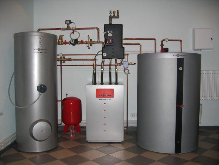 Геотермальный тепловой насос мощностью 14 кВт с бойлером и буферной емкостью