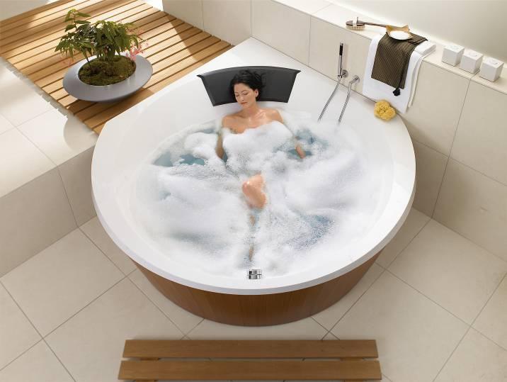 Гидромассажные ванны снимают напряжение и стимулируют кровообращение.
