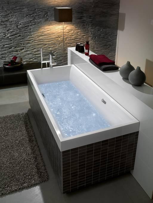 Гидромассажная система открывает новые возможности для релаксации в ванной комнате в домашних условиях.