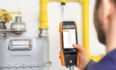 The testo 300 smart flue gas analyzer - the innovative tool for setting up heating systems