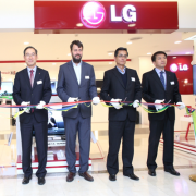 LG Electronics opens a store in Moscow Фото №2