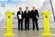Фото: Виталий Шустиков, пресс-служба Сколково На фото (слева направо): Генеральный директор Panasoni