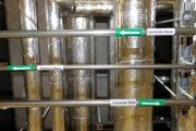Водяные чиллеры для охлаждения здания подключены к установке обессоливания и умягчения размягчения в