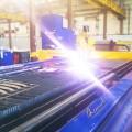 «Омский завод инновационных технологий» осуществил запуск портальной машины для плазменной резки.
