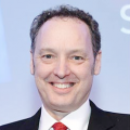 Стивен Гилл поприветствовал участников форума «Всемирный День Холода»